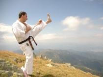 antrenament karate kyokushin pe varf de munte